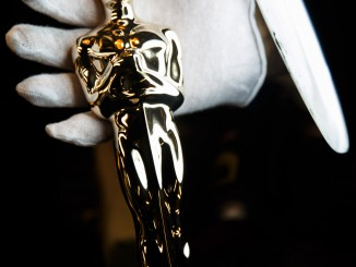 To give the Oscars® their striking appearance, all surfaces have to be perfect. Gold plating is only one micron thick and would not cover even the smallest indent. To accomplish a perfect surface, the castings are plated first with copper, then nickel, and polished to a high luster.