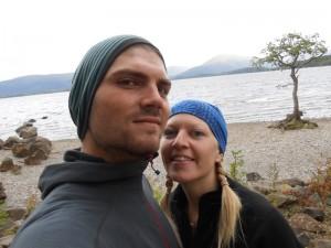 Das Paar am Ufer des Loch Lomond