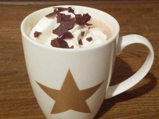 kakao-mit-sahnehaeubchen