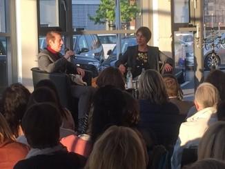Margarete von Schwarzkopf im Gespräch mit Bestsellerautorin Rebecca Gablé (© Bastei Lübbe)
