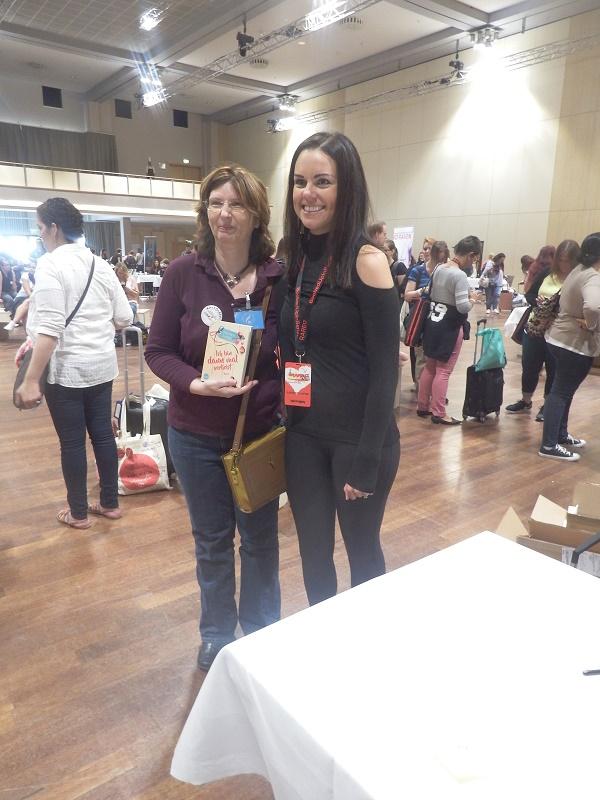 Lauren Layne (mit Übersetzerin Corinna Wieja von Indie Translations)